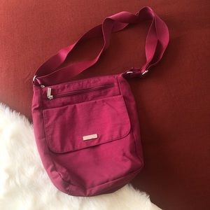 Baggallini cranberry travel bag slight wear